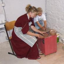 Kinderprojekt, Töpfern [(c): FilmBurg Querfurt]