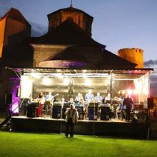 Evergreen-Swing-Band auf der Hauptbühne [(c): FilmBurg Querfurt] ©FilmBurg Querfurt
